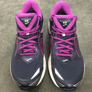 Brooks Womens Sz 10 Ravenna 8 Running Shoes